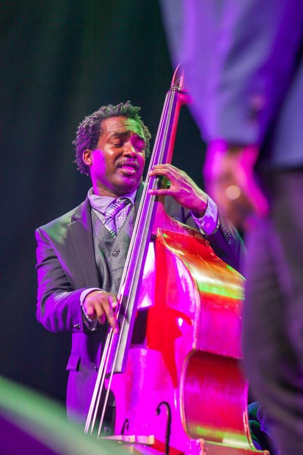 Jazzista Aaron James a jazz 2015 di Kaunas fotografia stock