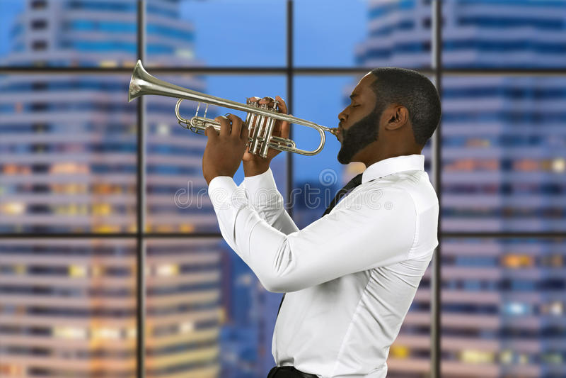 Jazzprestaties in megalopolis stock fotografie