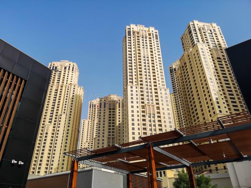 JBR、卓美亚奢华酒店集团海滩胜地、一个新的旅游景点区域与商店,餐馆和住宅摩天大楼在迪拜,团结的Ara 库存照片