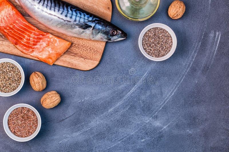 jeść zdrowo pojęcia Źródła omega 3 zdjęcia royalty free