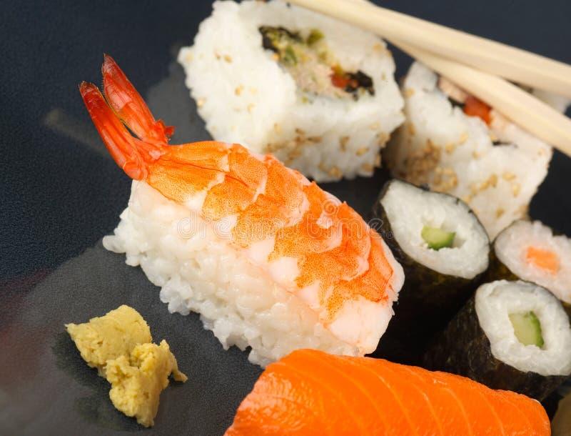 jeść sushi zdjęcie royalty free