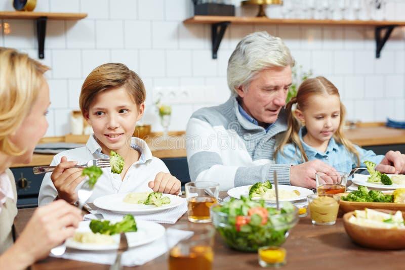 Jeść z dziadkami fotografia stock