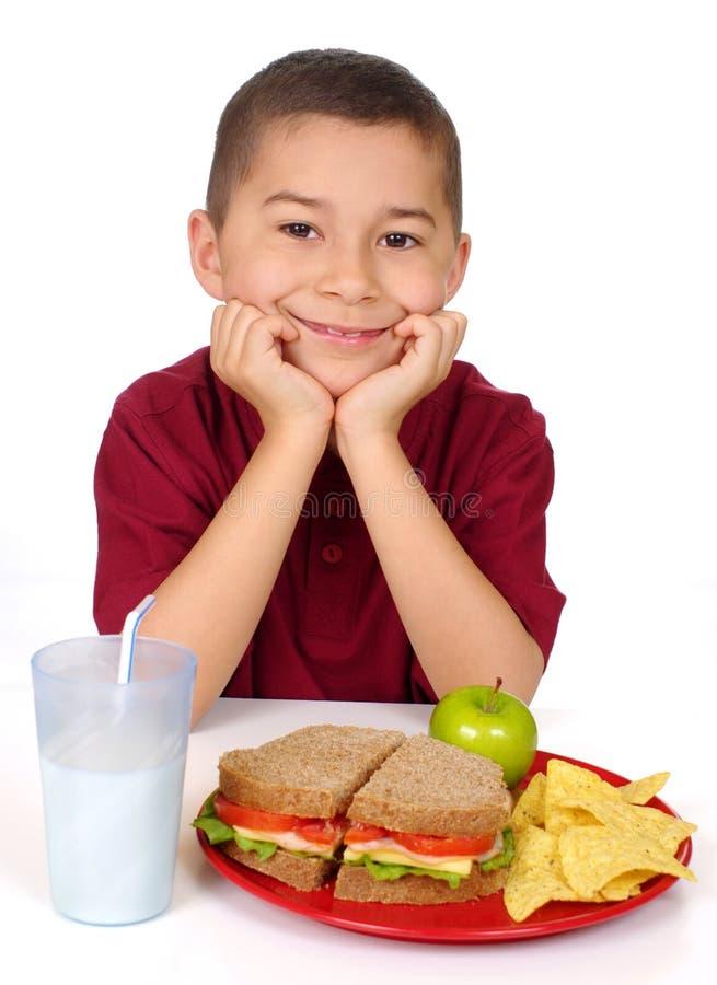 je dzieciak przygotowywającą kanapkę zdjęcie stock