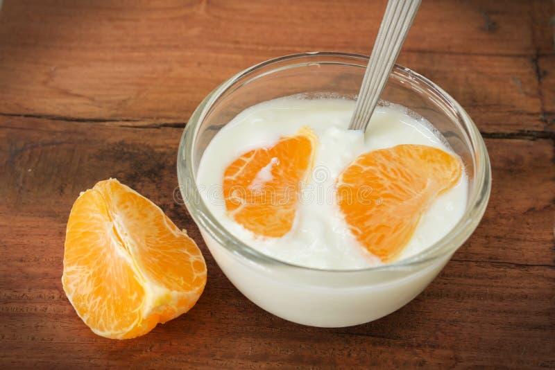 Je yogurth dla zdrowie. fotografia royalty free