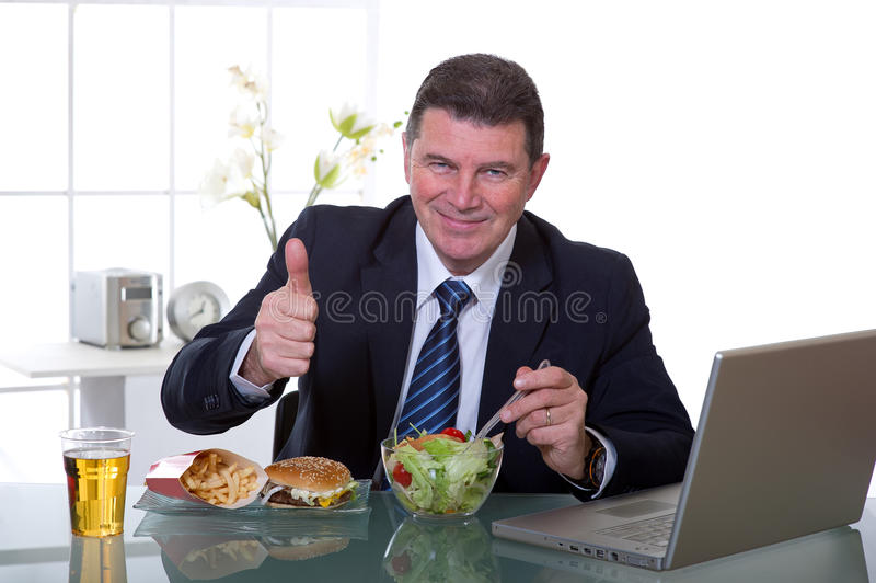 je zielonej kierownika biura sałatki zdjęcia stock
