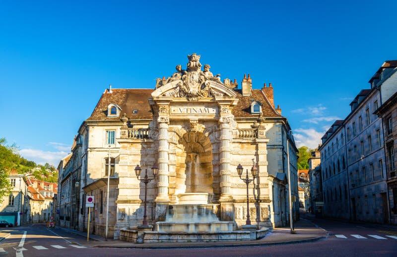Jean-kornett för Fontaine de laställe i Besancon arkivbild