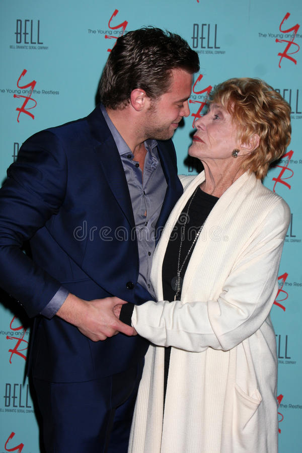 Jeanne Cooper, Billy Miller fotos de archivo