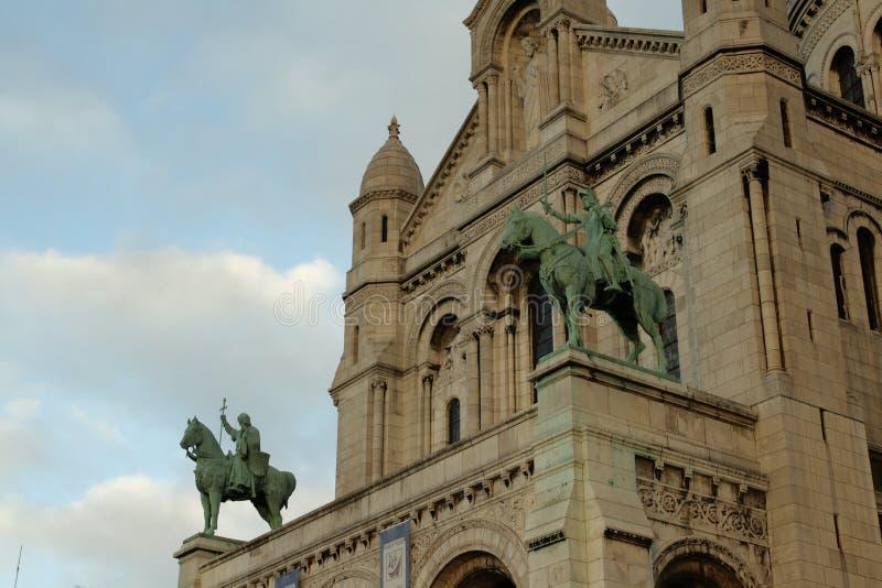 jeanne d `弧和路易斯雕象IX,巴黎 免版税库存图片