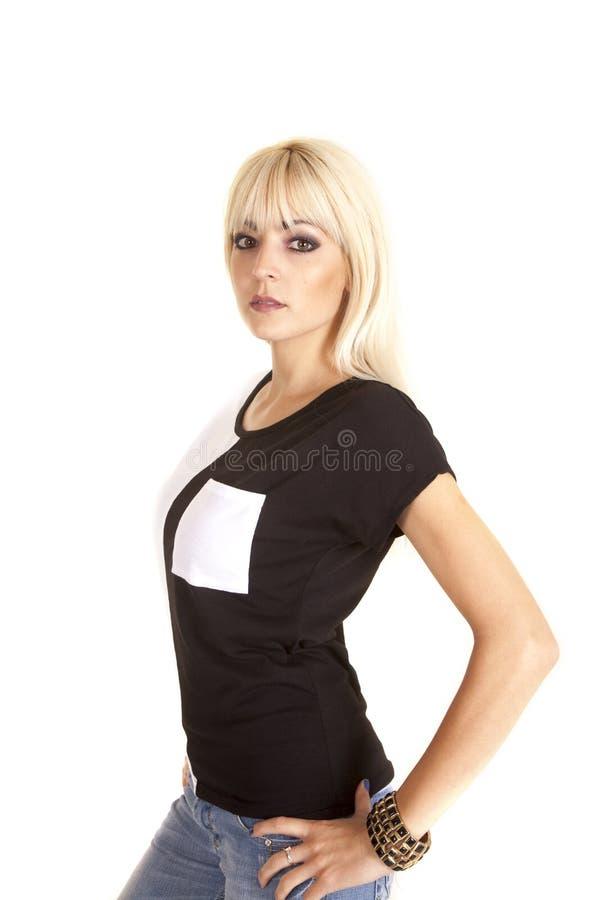 Jeans bianchi della camicia del nero della tasca fotografia stock libera da diritti