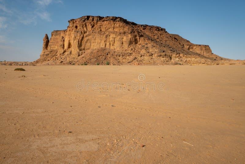 Jebel Berkal上面是看见努比亚金字塔的一个完善的斑点 库存图片