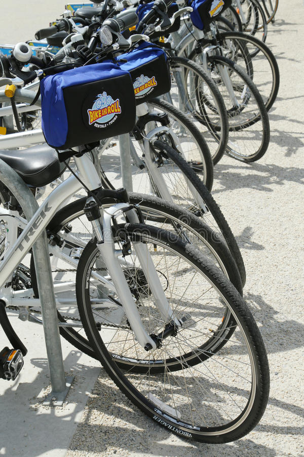 Jechać na rowerze bicykle przygotowywających dla turystów w Nowy Jork i Stacza się zdjęcia royalty free