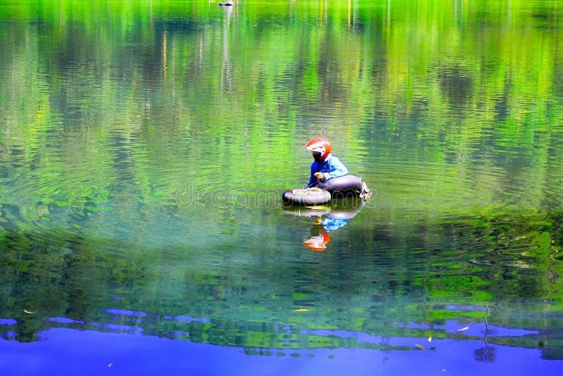 Jechać od Cisanti jeziora obraz stock