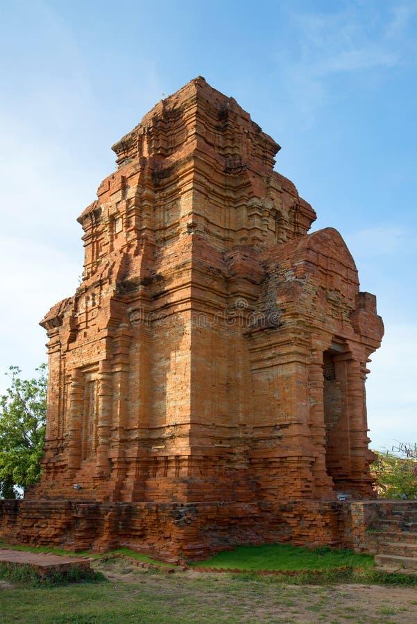 Jeden antyczny Cham Góruje Poshanu zbliżenie Phan Thiet fotografia royalty free