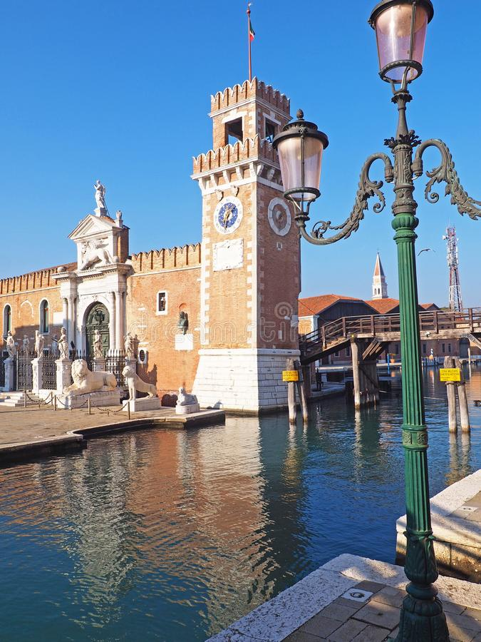 Jeden budynki Arsenale Di Venezia w mieście Wenecja, Włochy zdjęcia royalty free