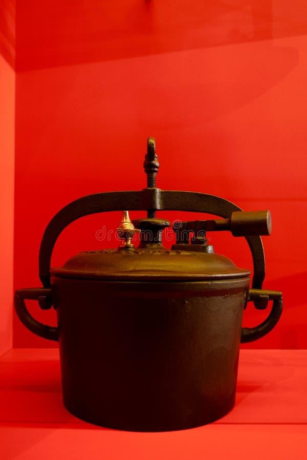Jeden pierwszy ciśnieniowe kuchenki fotografia royalty free
