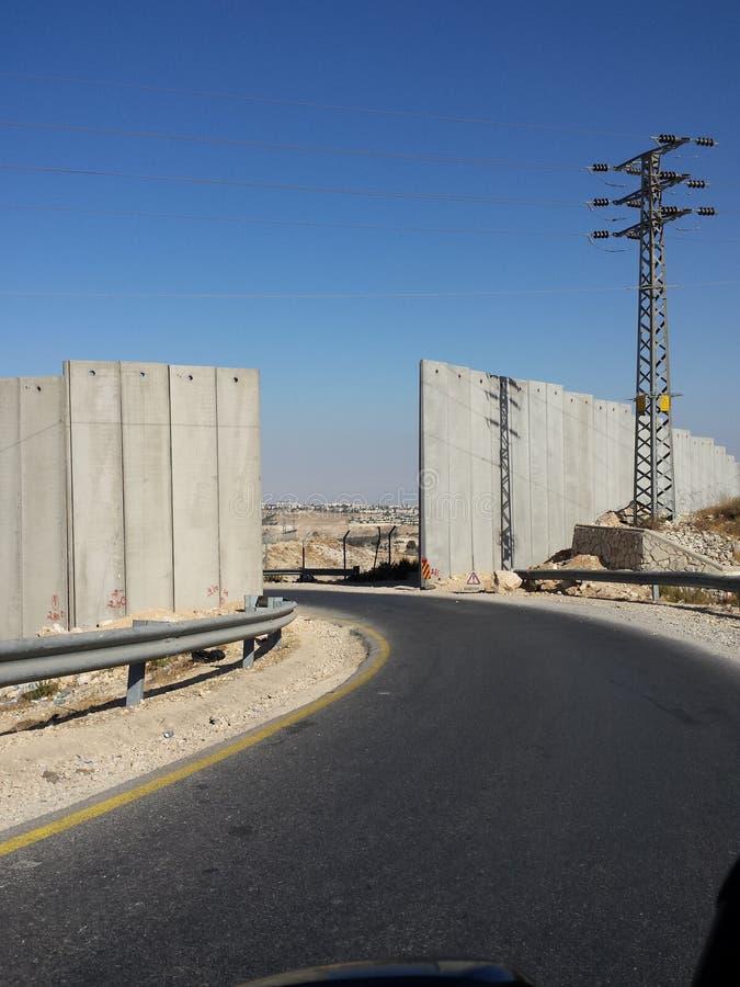Jeden sposób, brama w ścianie obsiadły Palestyński Autentyczny zdjęcia stock
