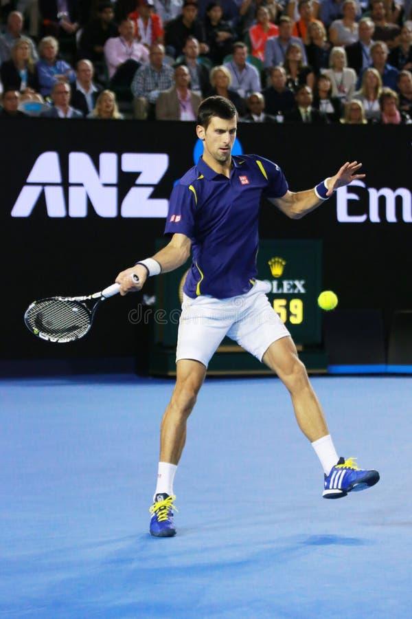 Jedenaście czasów wielkiego szlema mistrz Novak Djokovic Serbia w akci podczas jego australianu open 2016 definitywnych dopasowań zdjęcia royalty free
