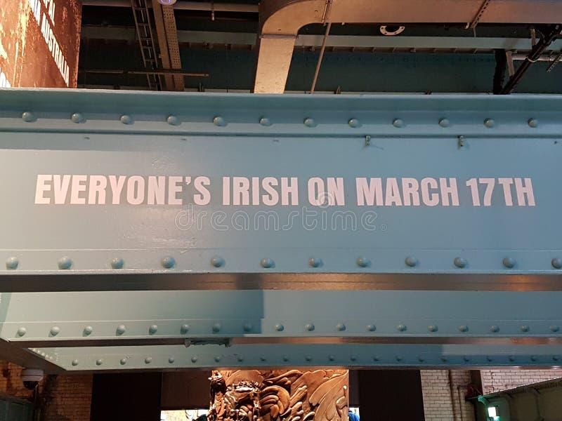 Jeder ` s Iren am 17. März, Zeichen lizenzfreies stockbild