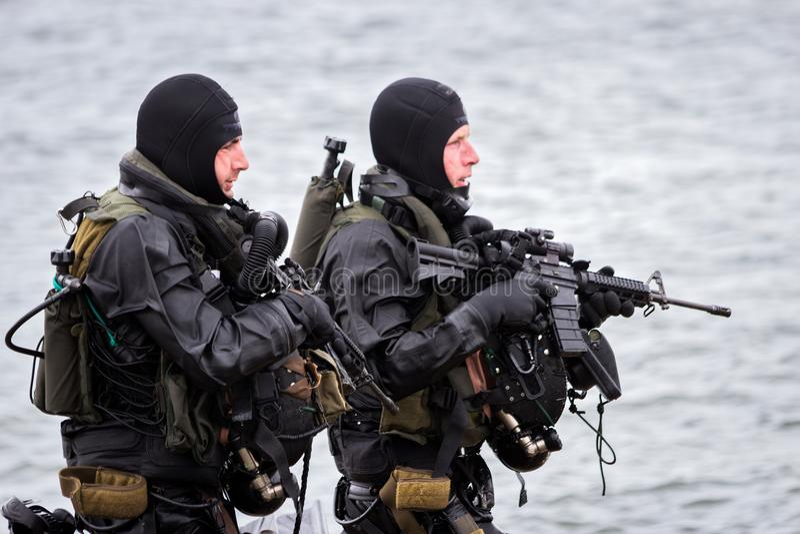 Jednostki Specjalne zwalczają nurka żołnierza fotografia royalty free