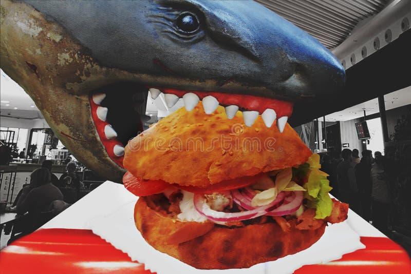 Jedzący uzależniającego szybkie żarcie jako fast food, odżywianie i żywienioniowy problemu zdrowotnego pojęcie przynosimy za zwie royalty ilustracja