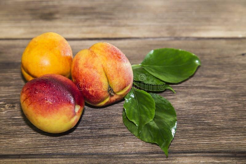 Jedzenie, świeża owoc, słodki deser Trzy dojrzała świeża witamina soczysta zdjęcie royalty free