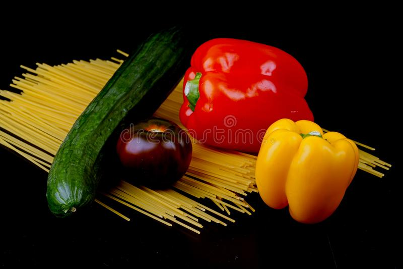 Download Jedzenie obraz stock. Obraz złożonej z greenbacks, restauracja - 106906853