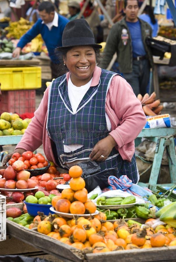 Jedzenie rynek Ekwador - Saquisili - obraz royalty free