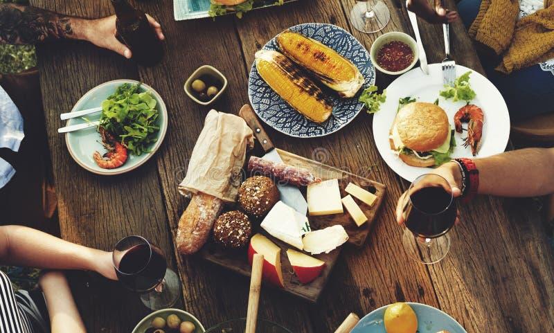 Jedzenie Stołowy Wyśmienicie posiłek Przygotowywa kuchni pojęcie zdjęcia stock