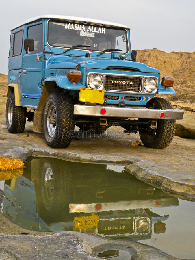 Download Jeep editorial stock photo. Image of offroad, flying - 20859688