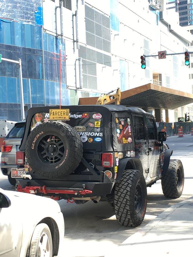 Jeep auf Straßen von Miami, Florida stockbilder