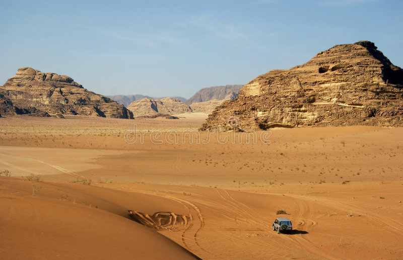 Jeep Car In Desert Royalty Free Stock Photos