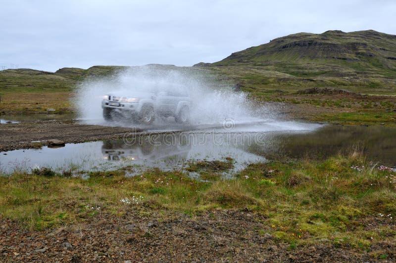 Jeep de la aventura en Islandia foto de archivo libre de regalías