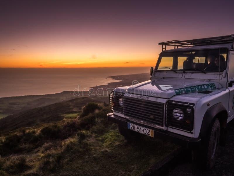 Jeep sur la surveillance photo libre de droits