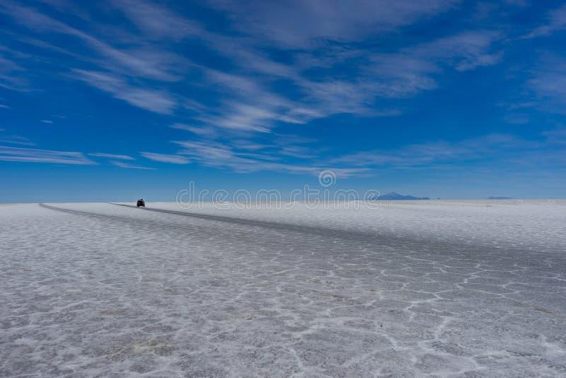 Jeep Tour Salt Flats en Salar de Uyuni Desert Bolivia imagenes de archivo