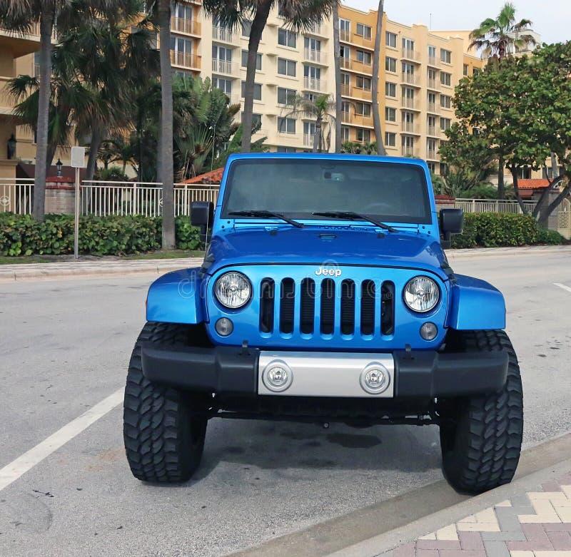 Jeep Wrangler blu fotografie stock