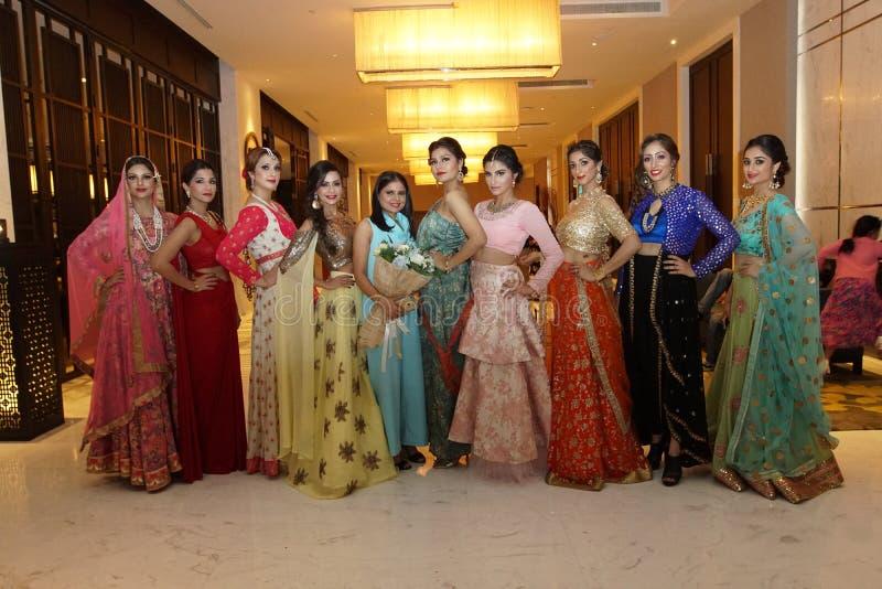 Jeewan Kaur印度婚礼样式时装表演  免版税库存照片