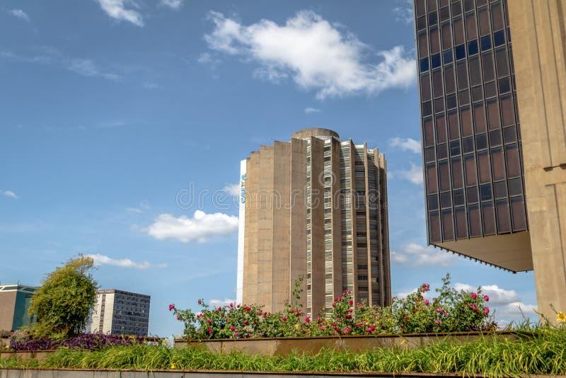 Jefaturas de Caixa Economica Federal Bank y edificio de banco central - Brasilia, Distrito federal, el Brasil imagen de archivo
