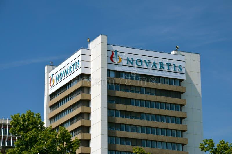 Jefaturas de Novartis en Basilea, Suiza imágenes de archivo libres de regalías