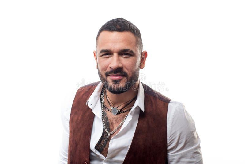 Jefe de la mafia Jefe hermoso de la mafia del individuo Moda Latino El hombre preparó bien al machista de moda rico Ropa del desg imágenes de archivo libres de regalías