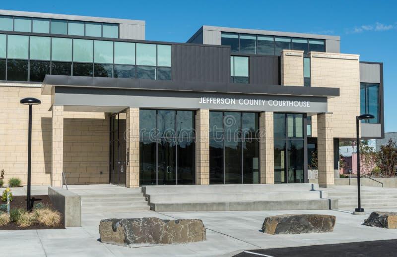 Jefferson County County Courthouse i Madras, Oregon royaltyfria bilder
