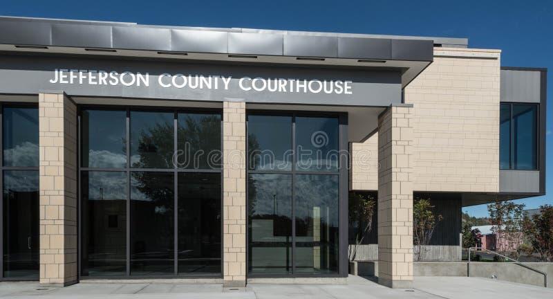 Jefferson County Courthouse i Madras, Oregon arkivbild