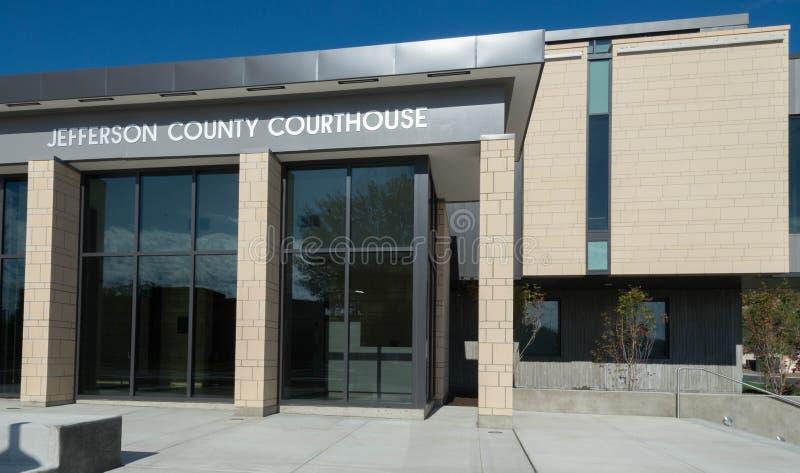 Jefferson County Courthouse i Madras, Oregon arkivfoton