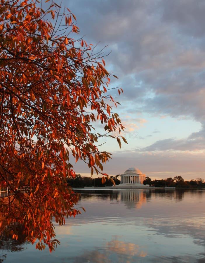 Jefferson Memorial dans l'automne image stock