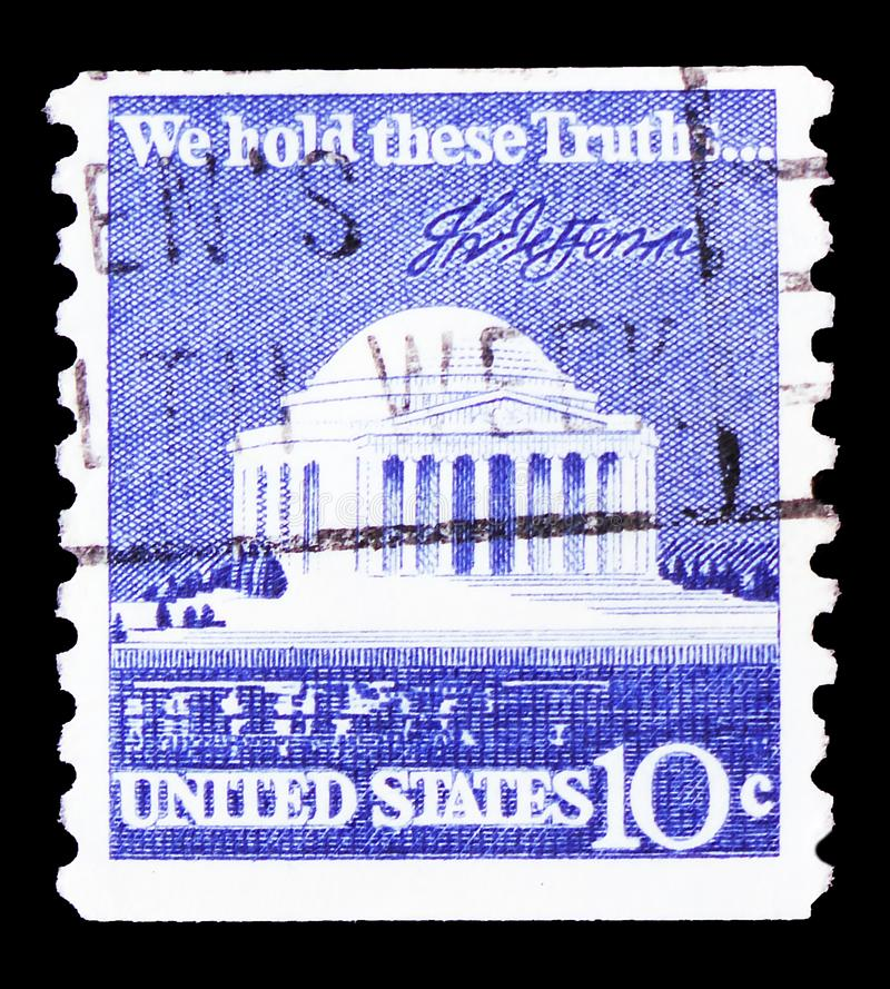 Jefferson Memorial and Signature, 1970-1974 Regular Issue serie, circa 1973. MOSCOW, RUSSIA - FEBRUARY 21, 2019: A stamp printed in United States shows Jefferson royalty free stock photo