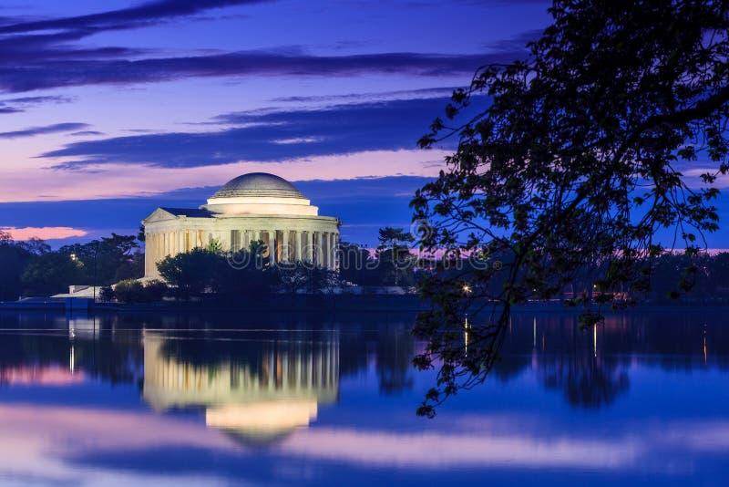 Jefferson Memorial tijdens Cherry Blossom Festival in gelijkstroom royalty-vrije stock foto