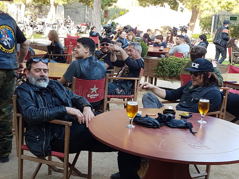 Jeffrey Dean Morgan Negan y Norman Reedus Daryl imagen de archivo
