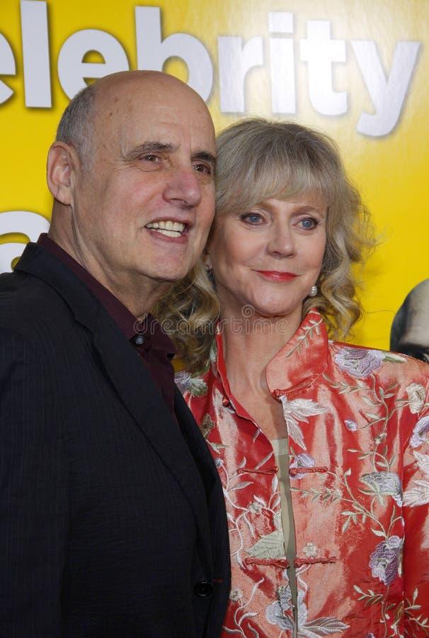 Jeffrey Tambor y Blythe Danner imagen de archivo