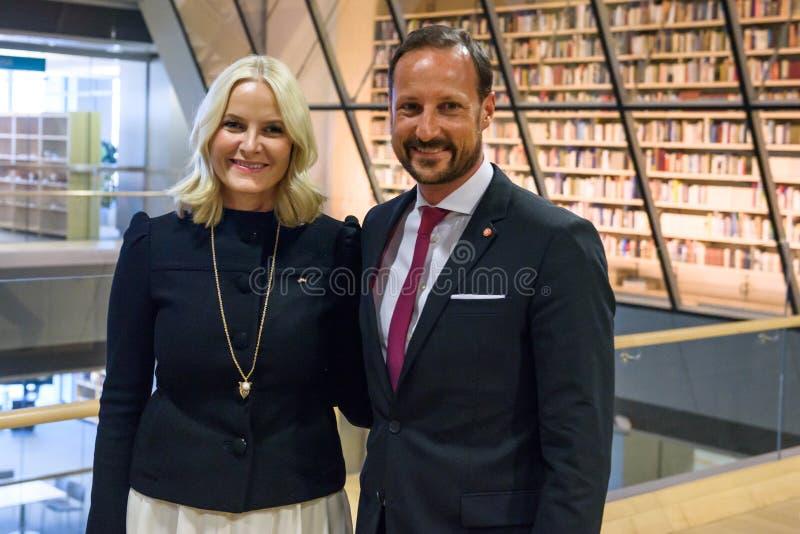 Jego Królewskiej wysokości książę koronny Haakon i jej Królewskiej wysokości następczyni tronu Mette-Marit królestwo Norwegia zdjęcia royalty free