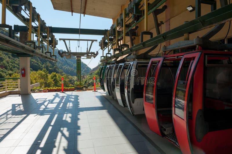 Jeita-Grottenkabelbahn stockfotos