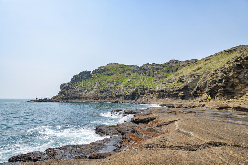 Jeju-, Κορέα - 11 Απριλίου 2015: Άποψη της ακτής Yongmeori μέσα στοκ φωτογραφία με δικαίωμα ελεύθερης χρήσης